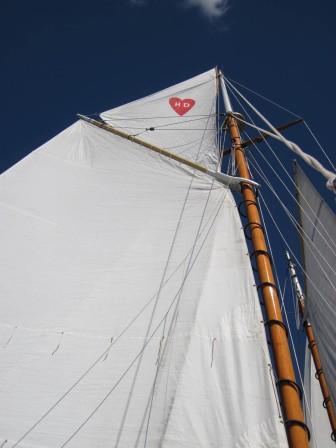 Heart topsail!