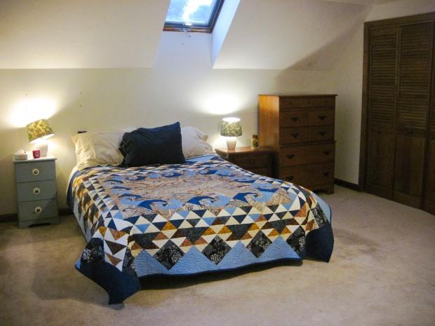 Upstairs bedroom #2 Queen bed